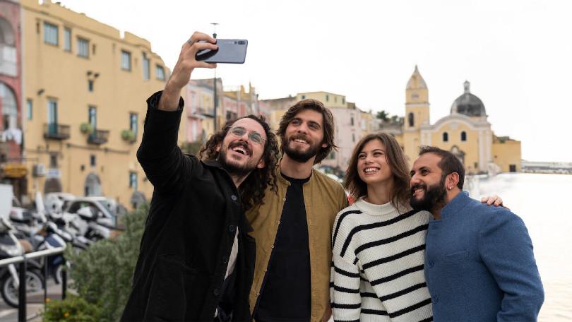Nieuwe Italiaanse komische serie Generazione 56k onderweg naar Netflix (TRAILER)