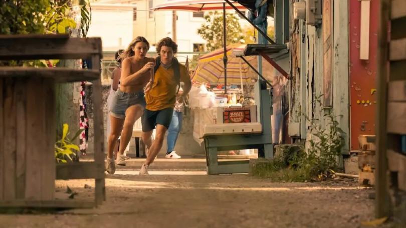 Wie gaat er op de vuist in nieuwe taser van Outer Banks seizoen 2?