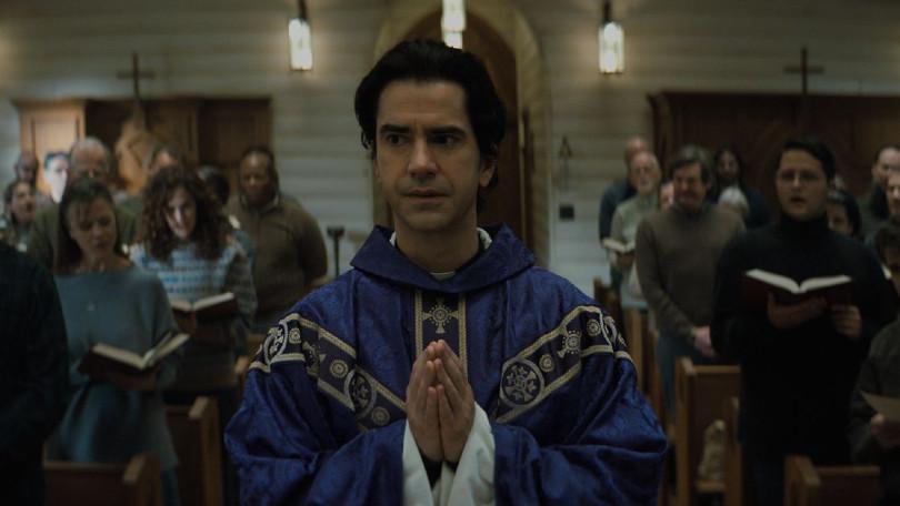 Nieuw op Netflix: huiveringwekkende horrorreeks Midnight Mass